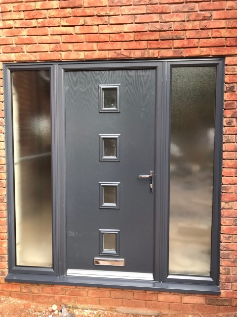 anthracite-grey-and-aluminium-bi-Fold-Doors