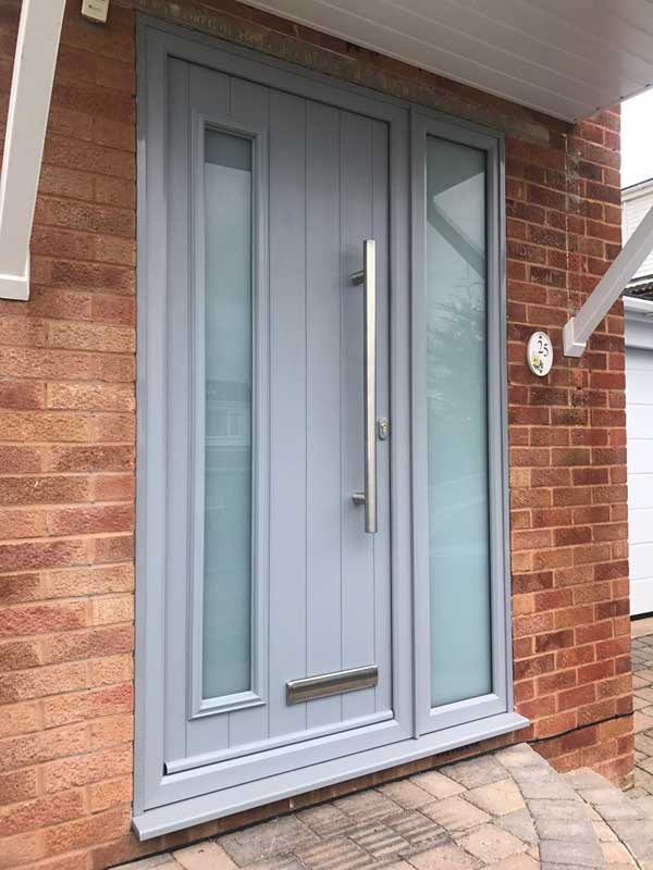 solidor-fitted-in-exmouth-with-bar-handle-in-french-colour2