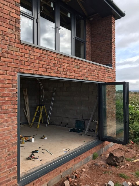 anthracite-grey-and-aluminium-bi2-Fold Doors