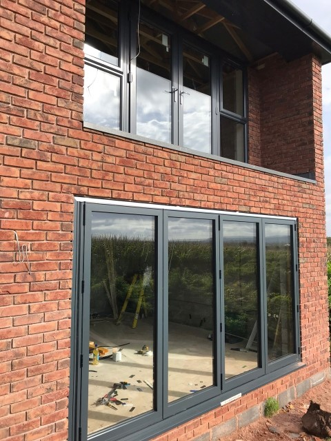 anthracite-grey-and-aluminium-bi5-Fold Doors